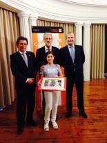 La ganadora de Aragón con Autoridades
