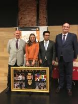 Ganadora de Madrid con Autoridades