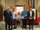 El ganador de Baleares, David Roca Mudarra, con las Autoridades.