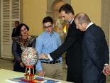 El Ganador de Galicia en el Palacio del Pardo mostrando su trabajo a D. Felipe en la 35º Edicion