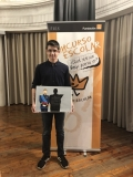 El ganador de Aragón mostrando su trabajo