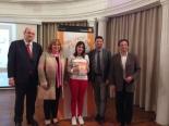 La ganadora de Aragón con Autoridades.