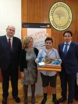 El ganador de Extremadura con las Autoridades.